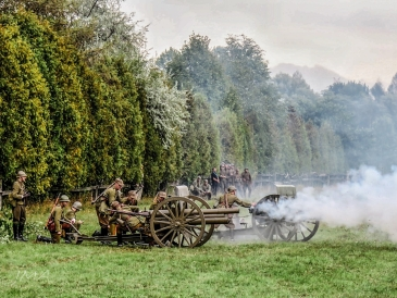 Rekonstrukcja bitwy nad Bzurą, Łomianki 2015. A World War II battle reconstruction in Poland, 2015