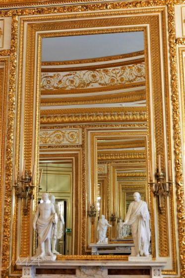 Warsaw royal castle. The interiors.