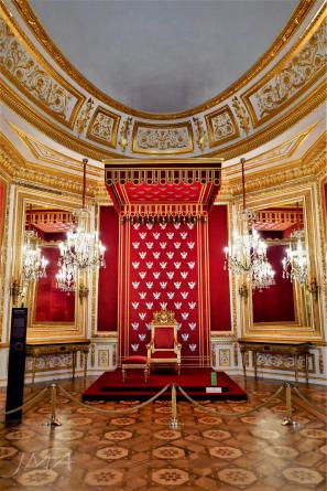 Warsaw royal castle. The throne room.