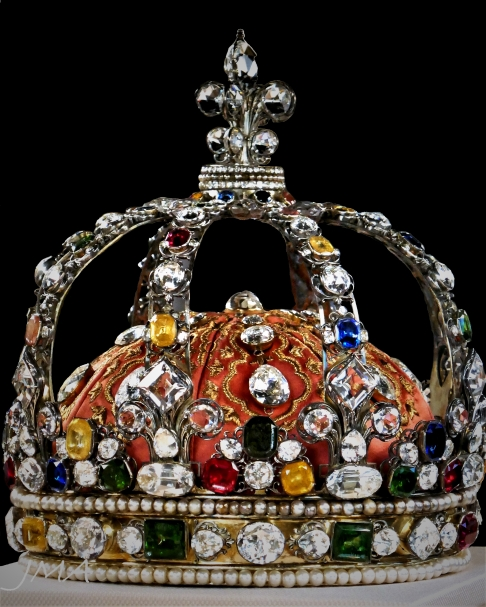 A royal crown that belonged to Luis XV