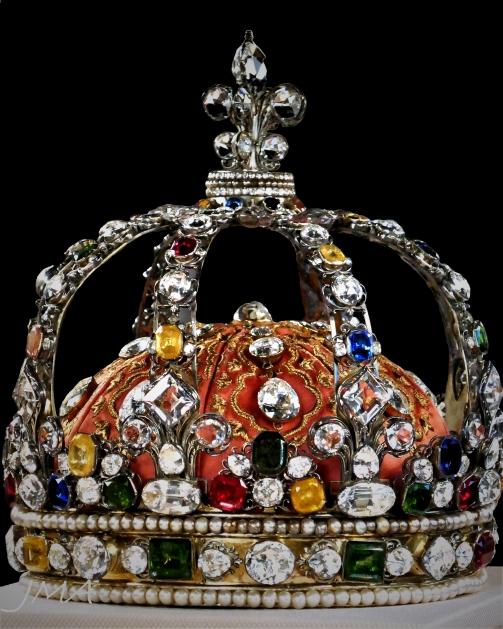 A royal crown that belonged to Luis XV