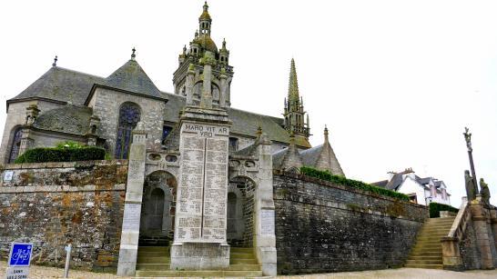 Traveling France. Saint Thegonnec enclos / enclosure.