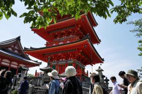 Kiyomizudera temple complex, Kyoto, Japan