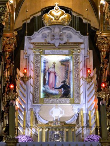 JMA_Lichen_Basilica_06