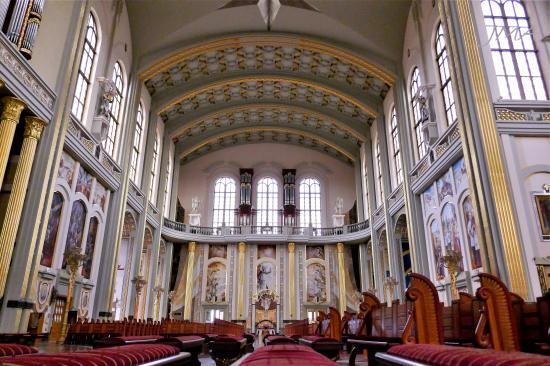 JMA_Lichen_Basilica_08
