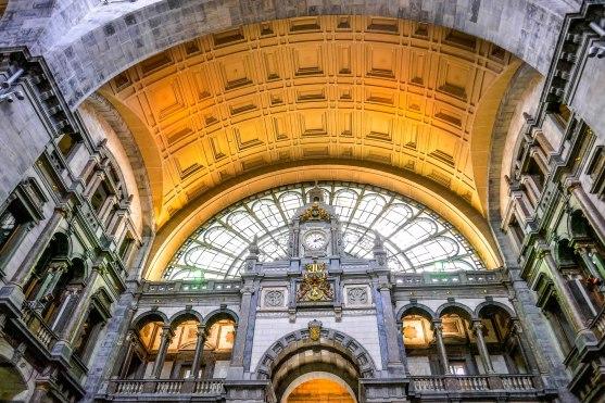 JMA_Antwerp_railway_station_01