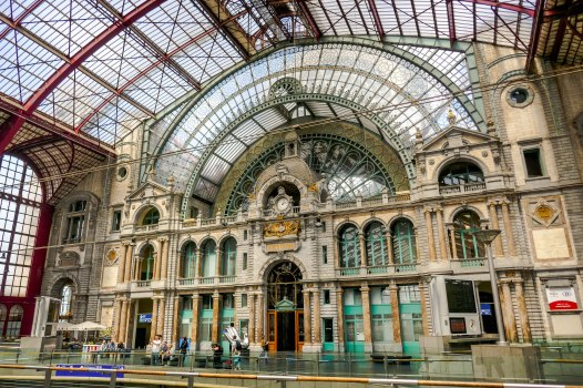 JMA_Antwerp_railway_station_05