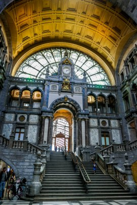 JMA_Antwerp_railway_station_07
