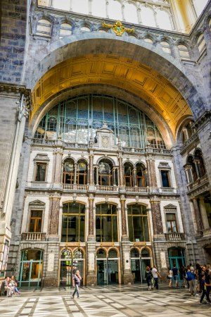 JMA_Antwerp_railway_station_08