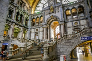 JMA_Antwerp_railway_station_09